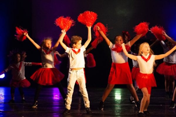 4 Ways Performing Arts Can Benefit Kids