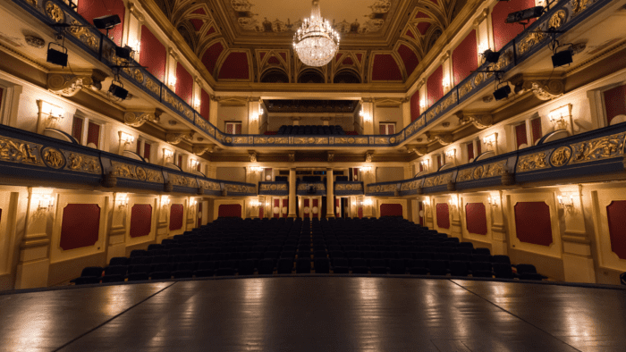 Learn the Lingo: Get to know your Theatre Terms